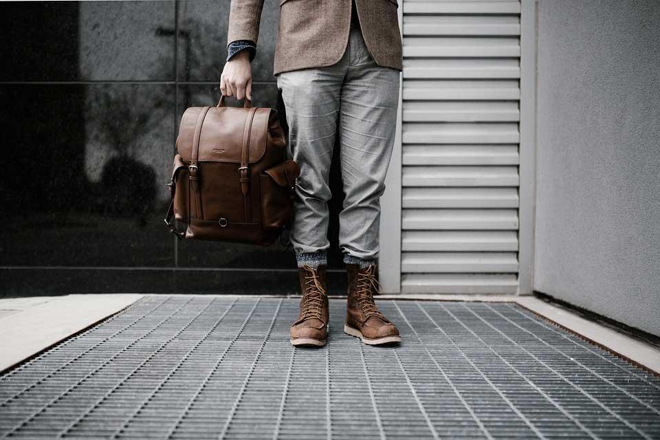 Light luggage while traveling